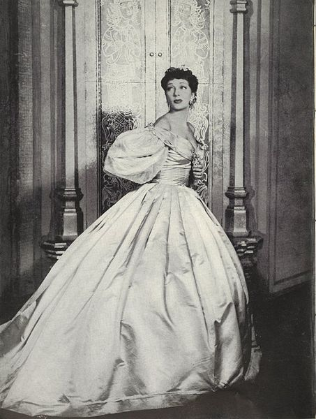 Gertrude Lawrence as Anna from The King and I, 1951, public domain via Wikimedia Commons.