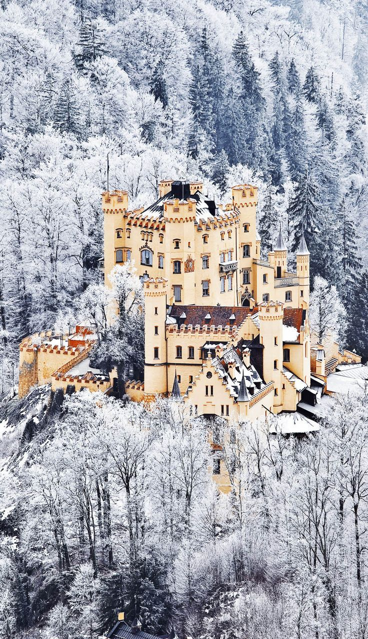 Between 1832 and 1836, Crown Prince Maximilian of Bavaria built up the ruined Schwanstein castle in the neo-Gothic style. Schloss Hohenschwangau not only served as King Ludwig II's childhood home but his summer residence until his death in 1886.