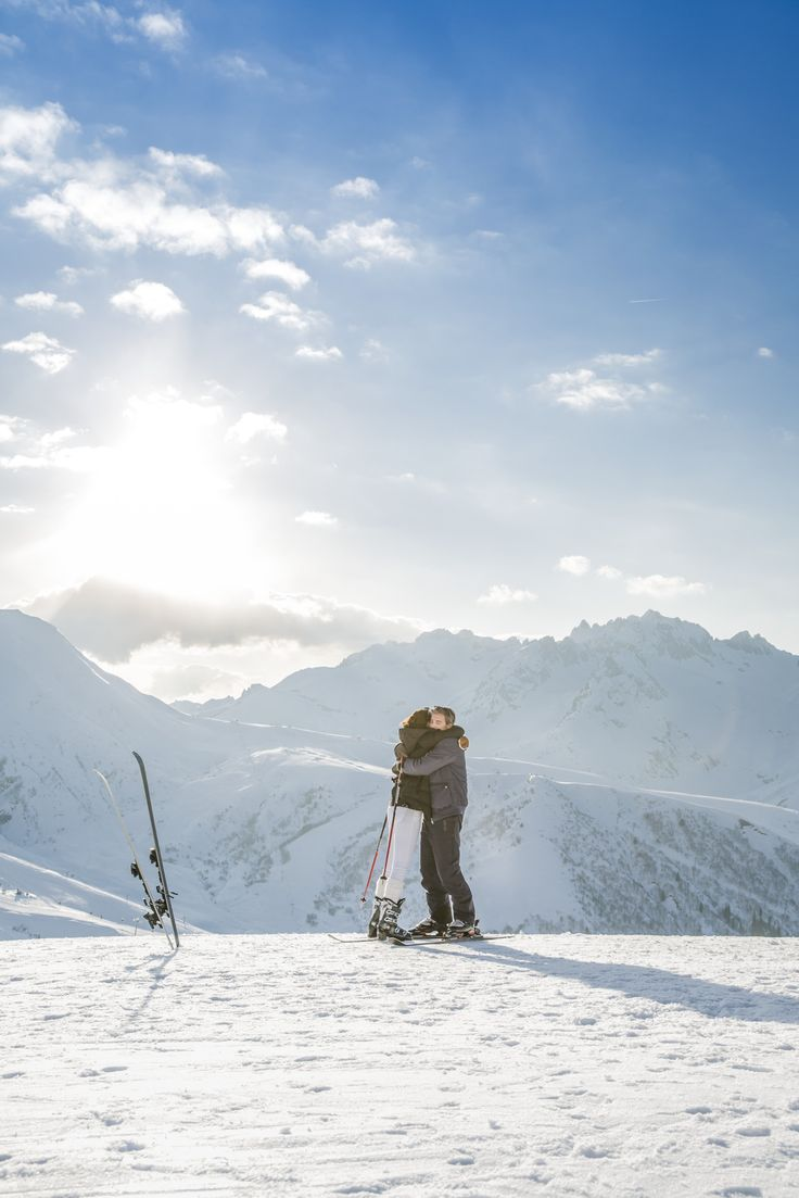 Feel the air against your skin as you ski through breathtaking panoramas with your loved ones...