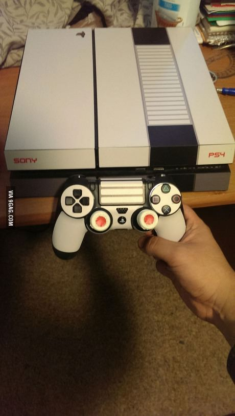 Looks like a NES remix : *My newly skinned PS4*