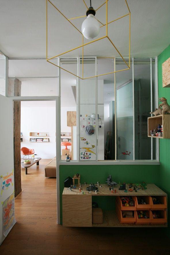 Chambre enfant : console / / Archi : ATELIER PREMIER ETAGE