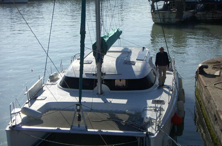 #Yachts Nautitech 40 - #SailBoat - From #Marsala #Trapani. Navigation Area: #Sicily. Maximum Capacity: 12 persons. Price for week: from 3.200,00 €. - Find out more at: http://www.barcheyacht.it/noleggio-barche/vela-nautitech-40-marsala-tp-italia_409/