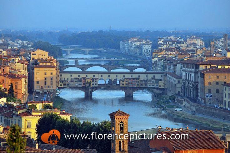 Bridges over Arno river in Firenze, Italy