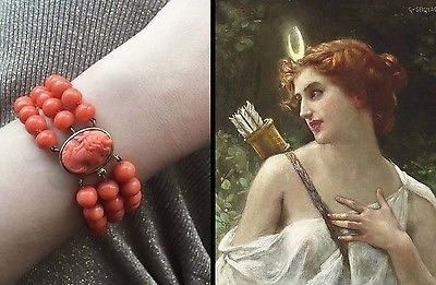 Rare 43g! 18kt gold 3 strand coral bead bracelet with a cameo of Diana