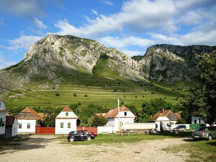 Rimetea - satul aflat la doar 50 de km de Alba Iulia in care parca simti ca pasesti intr-o alta lume.