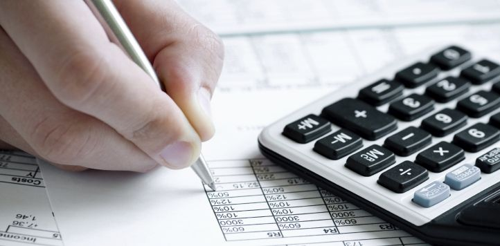 Finance planning || Image Source: http://www.smallbusinessfinance.ie/uploads/images/iStock_000009414213Medium_financial_model_for_web.jpg