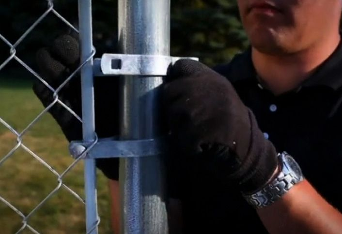 Tie Fence To Rails Install Chain Link Fence Chain Link Fence