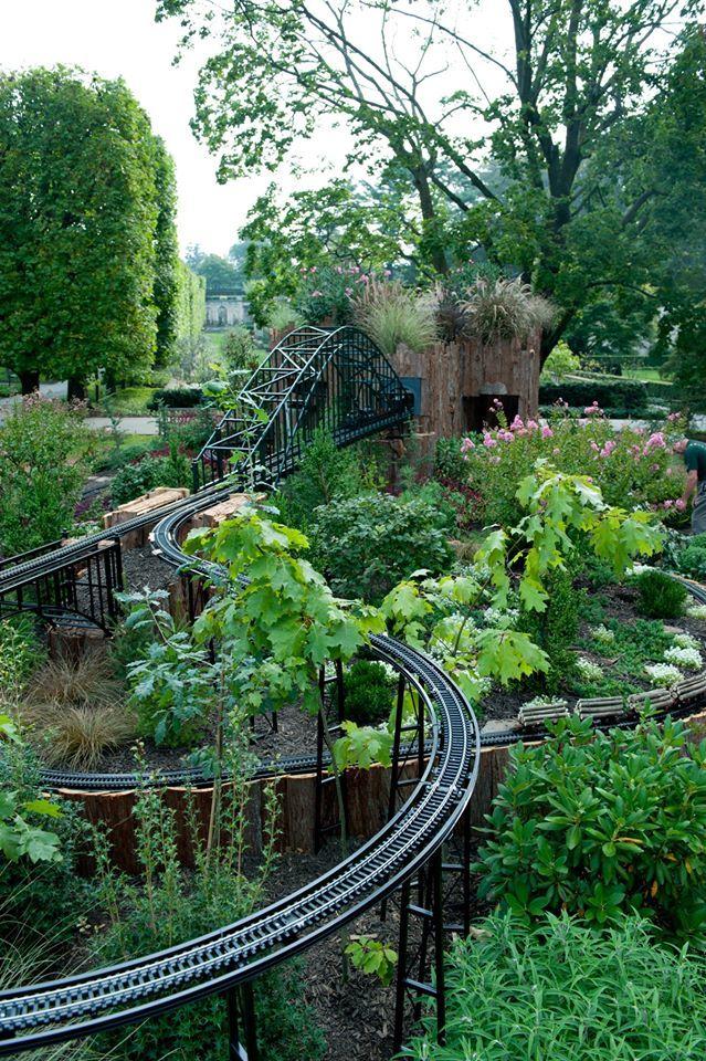 Best 25 garden railroad ideas on pinterest model for Garden railway designs