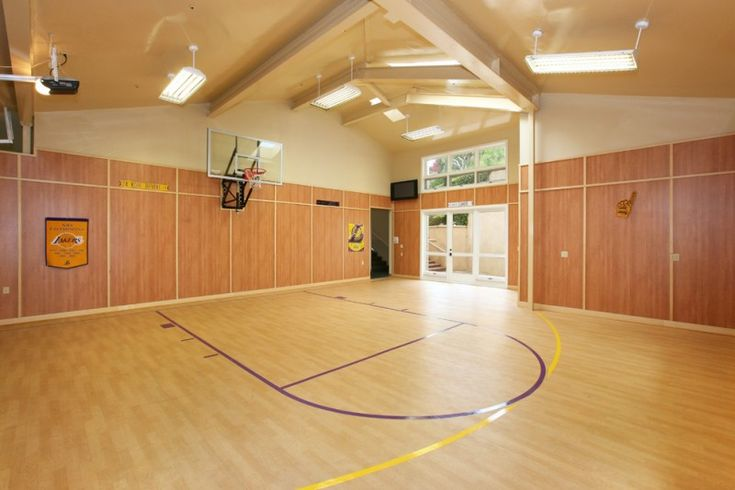 Best 25 indoor basketball court ideas on pinterest for Personal basketball court