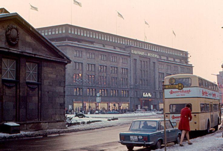 Das KaDeWe, 1970 | So sah das Leben in West-Berlin aus, als es von der Mauer eingeschlossen war