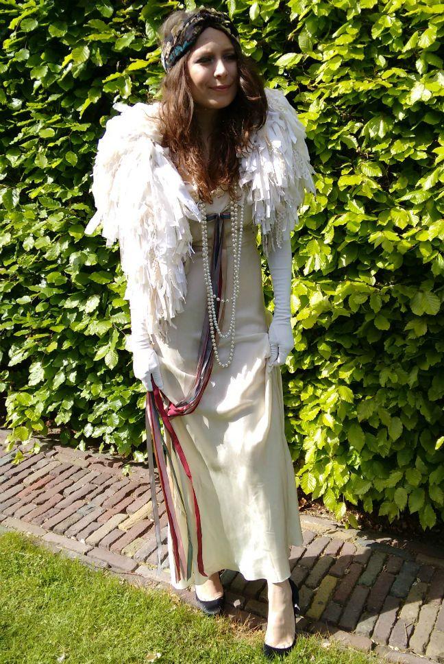 Nights in White Satin in gebaseerd op een originele jaren '30 jurk www.gatsbygowns.nl