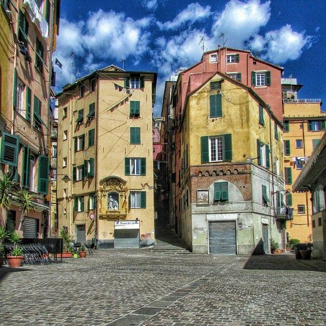 Piazza Del Carmine nel Genova, Liguria
