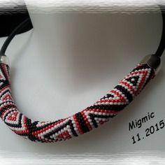 Spirale crochetée à la main en perles de rocailles miyuki