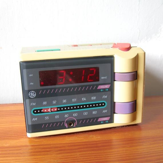1980s P'jammer GE General Electric. Alarm Clock. I totally had this! I wish I still had it....Loved this thing!