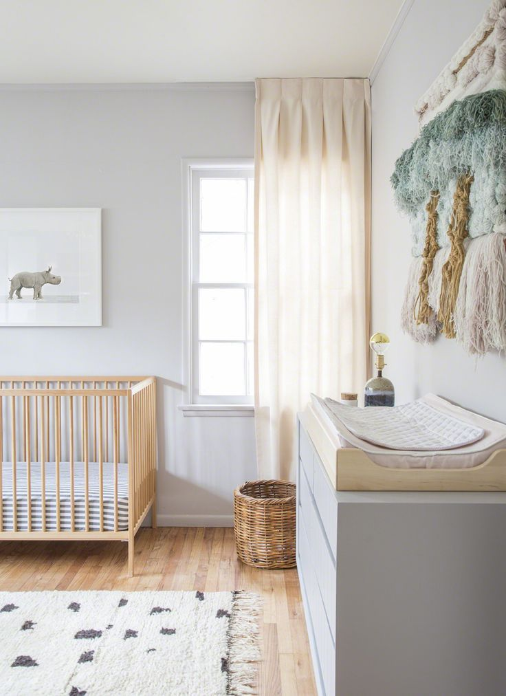 nursery ideas | gender neutral baby room | natural wood & gray baby nursery