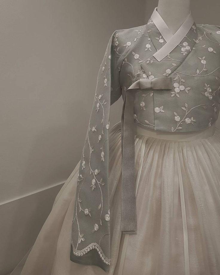 ㆍ ㆍ THE DAN ㆍ ㆍ ㆍ ㆍ ㆍ #더단스타일#한복#한복더단#웨딩한복 #houtecouture #modern #classic #thedan#wedding#fashionable