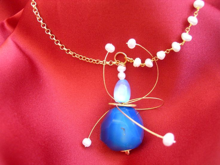 """Pearl rosario and Quarz necklace"""