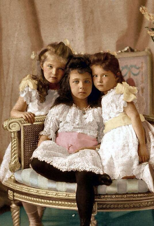 The Romanovs. From left to right: GD Olga Nikolaevna, Elisabeth of Hesse (OTMA's…