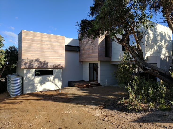 Fairhaven Project Custom Home, Design & Construct by Pivot Homes.Scyon Stria & Unitex Render painted in Dune and Euclad Silvertop Ash Timber Cladding.#foreverhome #homeinspo #cladding #architecture #pivothomes