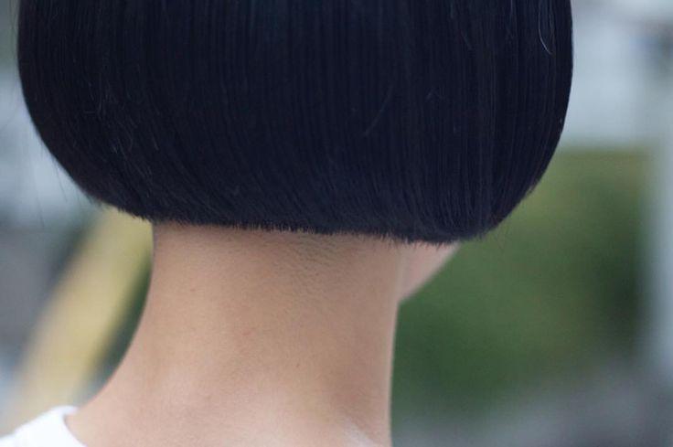 いいね!62件、コメント2件 ― Hironori Okadaさん(@hironori_okada)のInstagramアカウント: 「☁️ えびちゃん背後から #お客様 #サロンワーク #ボブ #ショートボブ #ショートマッシュ #マッシュボブ #切りっぱなしボブ #ワンレングス #ワンレンボブ #ショートカット #黒髪…」
