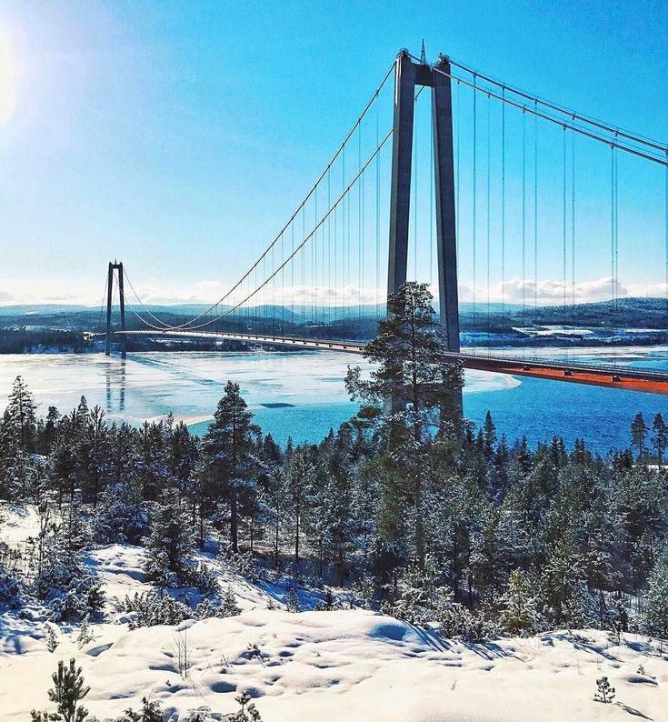 """1,039 gilla-markeringar, 9 kommentarer - Sverige 🇸🇪 Sweden (@sverige) på Instagram: """"⠀ The Swedish version of the Golden Gate bridge! 🇸🇪🇺🇸 ⠀ Like & Follow our new Facebook page. You…"""""""