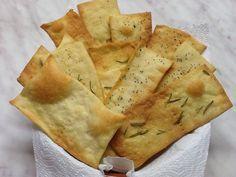 Crackers Bimby facili, croccanti e più buoni di quelli comprati! Bastano pochi ingredienti e pochi minuti per prepararli. Ci servono: 250 gr di farina 00...