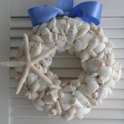 Beach Seashell Wreath | AllFreeHolidayCrafts.com