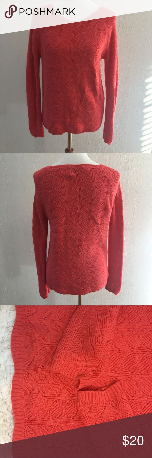 "Banana republic medium coral sweater BANANA REPUBLIC Women Medium cable knit sweater Coral  Flat lay measurements: 20"" chest, 28"" Sleeve, 16""  length from armpit, 25-1/2"" length from shoulder   9-44 Banana Republic Sweaters Crew & Scoop Necks"
