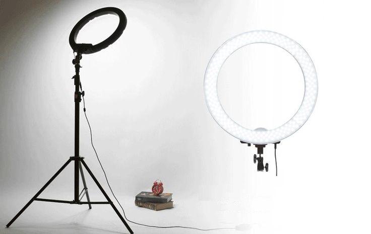 С помощью кольцевых ламп Ring Lamp Вы с легкостью пополните своё портфолио высококачественными снимками 📸 Это прорыв в мире моды и фото 🔥 #кольцеваялампа #кольцевойсвет #круглаялампадляфото #освещениедлявизажистов #светдляфотографа #освещение #селфи
