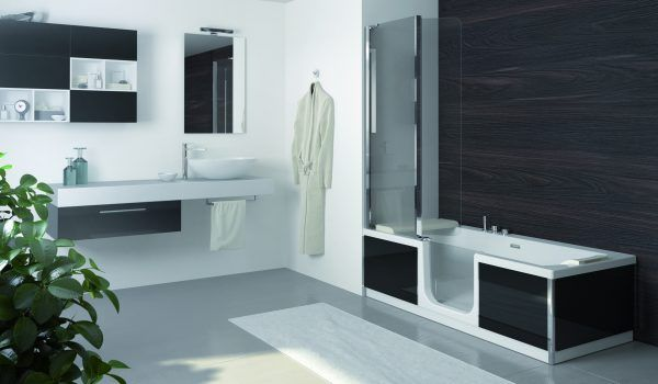 Le plaisir du bain ET la praticité de la douche : découvrez nos modèles de combinés baignoire-douche sélectionnés pour leur esthétique, leur design et leur confort.