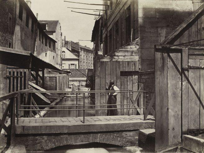 Charles Marville: Bords de la Bièvre (au bas de la rue des Gobelins) (Banks of the Bièvre River at the Bottom of the rue des Gobelins), #Paris c. 1862