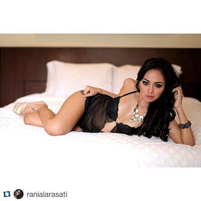 #Repost ranialarasati with @repostapp  By Adi (Feb '15 @Bali)  #FotoRus #me #model #valentine'sevent #happyvalentine #Lingerie #valentineday #bali #indomodel #hotmodel #potd #noedit #nofilter #bestshoot by indonesian_sensual_girls