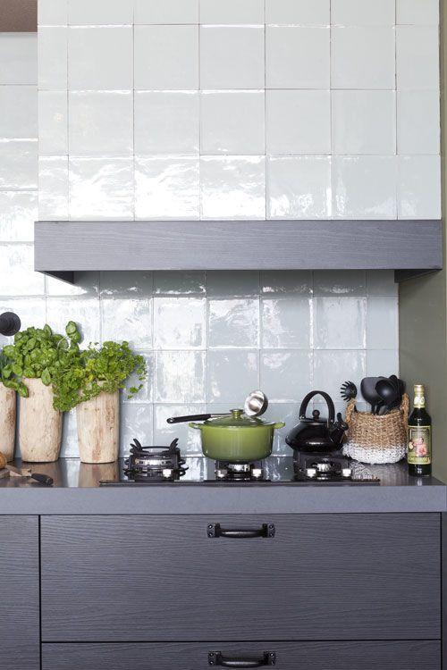 vtwonen. tiles + wooden herb vases