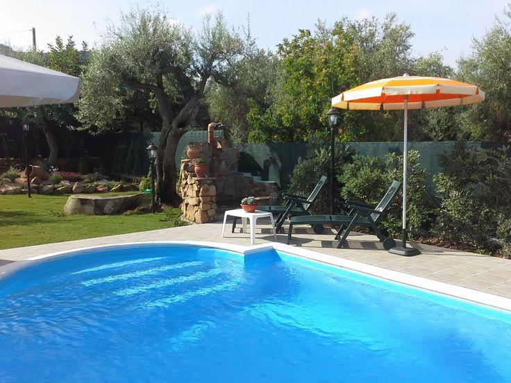 best 25+ villa mit pool ideas on pinterest   moderne villa, villen, Garten ideen gestaltung