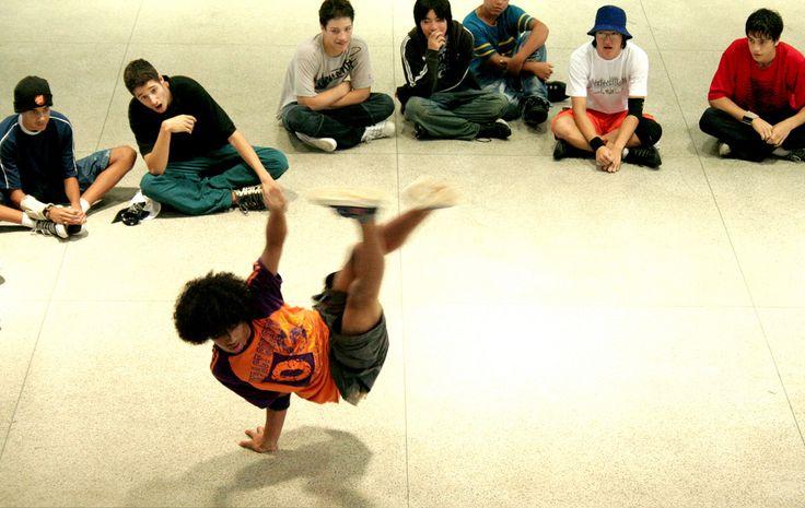 """A competição """"Racha no Arena 2010"""" acontece dia 7 de março, às 10h, no Centro Cultural da Juventude (CCJ). A entrada é Catraca Livre."""