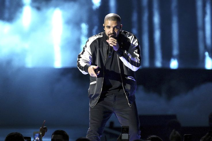 Drake's got a baad ankle injury: http://www.tanglewoodfootspecialists.com/blog/its-drakes-worst-week-ever-it-s-not-all-about-rihanna-.cfm