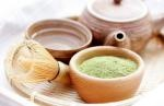 """Game, Set, Matcha!  Matcha is a powdered form of green tea, and has the same immune-pumping ingredients but in 10 times the concentration. The antioxidants and medicinal compounds in matcha tea can help you fight off viruses and bacteria, and even abnormal cells.   """"They also help reduce inflammation, support cardiovascular health, improve energy and focus, and balance hormones, green tea powder, matcha tea"""
