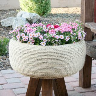"""Now that summer is coming and our plants start getting """"babies"""", we never have enough pots. But you can use all kinds of things as pots,old tubs, chairs, creates, drawers, boxes, etc...All that old thing we call junk, can be used again for a flower pots in a new creative way. Repurpose old, damage"""