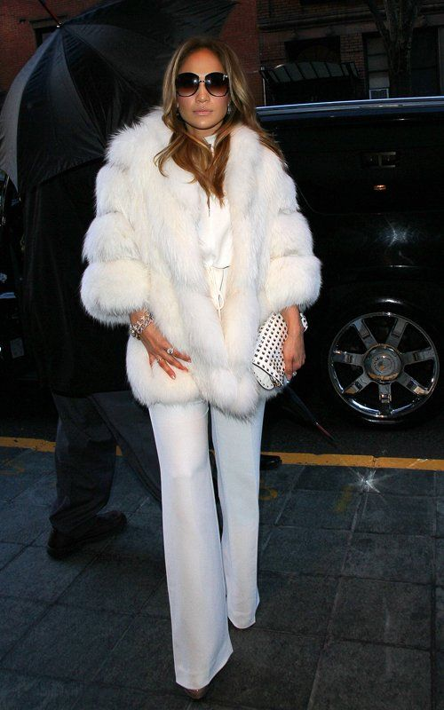 i know real fur is bad...but i love this look she is rocking..and you know jlo will prob never rock fake.