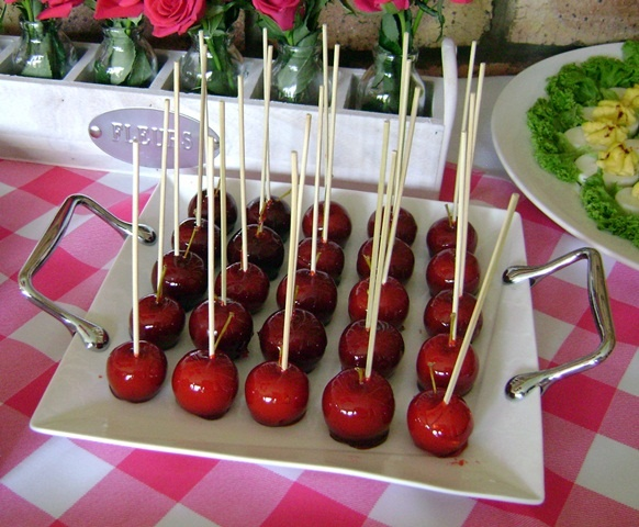 Mini Toffee Apples Need a melon baller to make the apple rounds and then the meanest toffee recipe