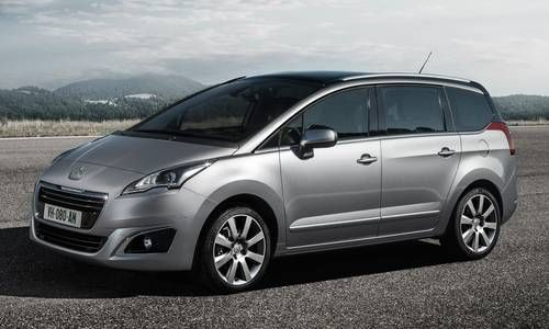 #Peugeot #5008. La monovolume compatta che offre la libertà di allestire la configurazione e vano di carico.