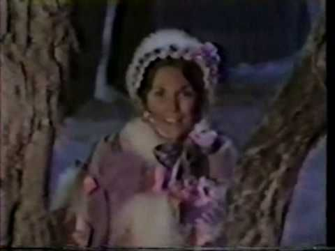 Christmas Medley ~ Winter Wonderland/Silver Bells/White Christmas - Carpenters