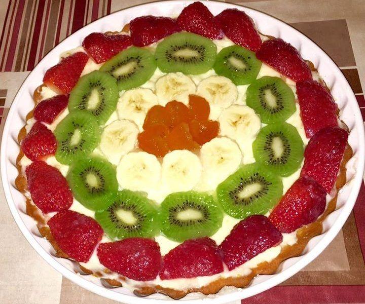 φτιάξαμε μια υπέροχη ανοιξιάτικη τάρτα με φρούτα! Υπέροχος συνδυασμός χρωμάτων και αρωμάτων!!!