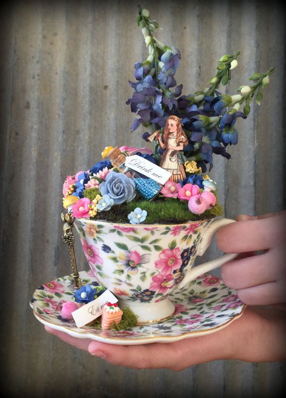 1000 images about chikibird tinyscapes tea cup fairy gardens on pinterest gardens mad for Alice in wonderland fairy garden