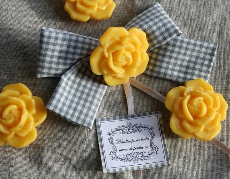 Detalles de boda en amarillo y gris, jabón natural de caléndula