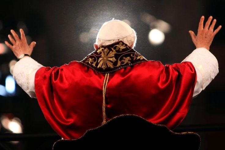 Papst Benedikt XVI. 2012 in Rom: Rückzug in Würde
