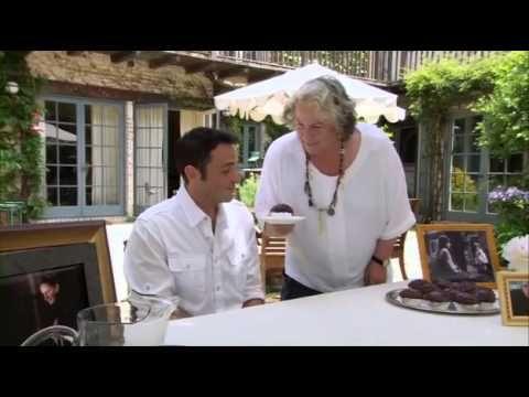 Tronchatoro obliga a tragar enorme pastel a su víctima ¡17 años después! Matilda 17 years later.