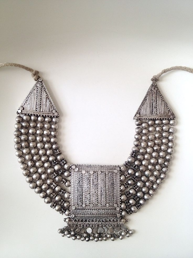 Necklace    ✵☽♚ ✧ for more follow on INSTA @love_ushi OR PINTEREST @ANAM SIDDIQUI ✧ ╳ ♡