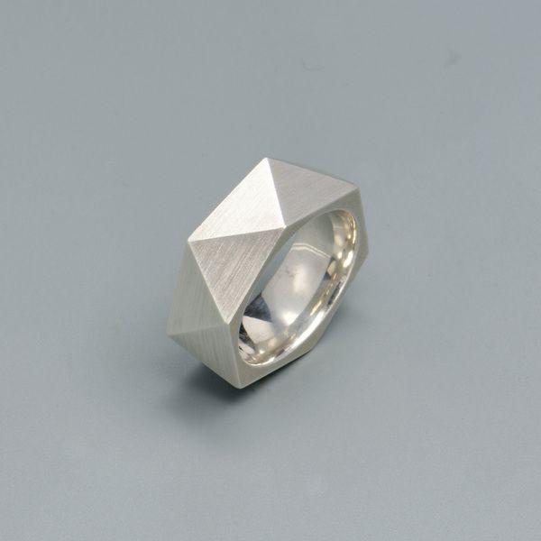 Herrenring im geometrischen Design // Silver geometrical triangle ring for men by Tanja-Fruhmann via DaWanda.com