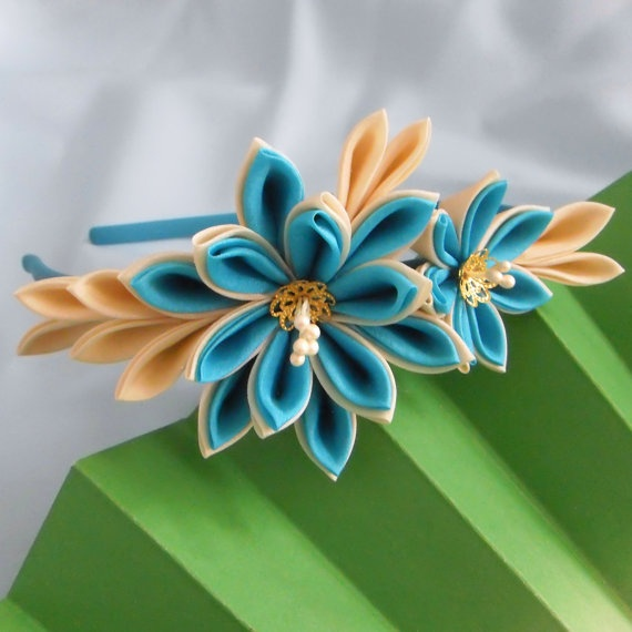 Teal and ivory dahlia silk kanzashi headband by elblack #etsy #craft #kanzashi